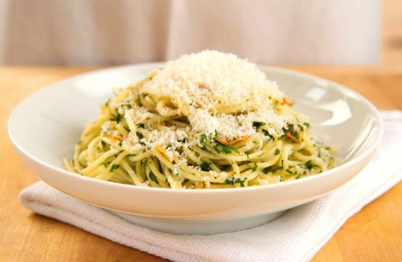 Ручек за 15 минути: Шпагети со пармезан