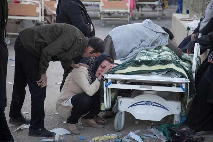 ВЕЌЕ НЕМА КАДЕ ДА СЕ ЧУВААТ МРТВИТЕ- во оваа држава за само 24 часа од коронавирус починале 440 луѓе