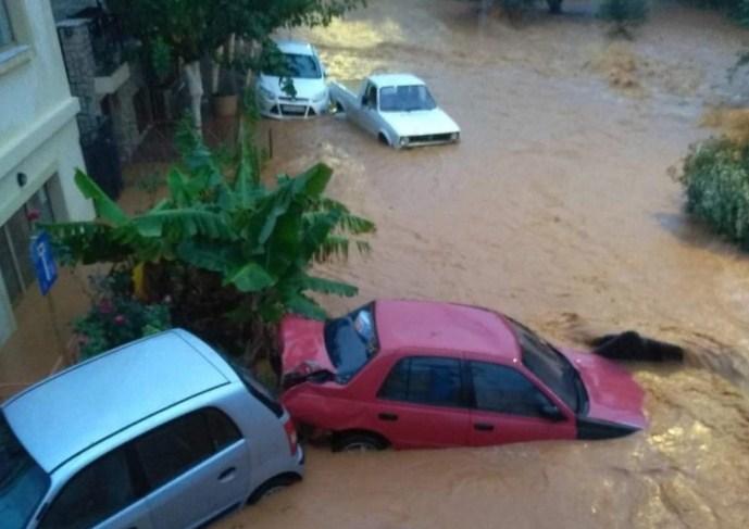 Поплави во источниот дел на грчкиот остров Крит