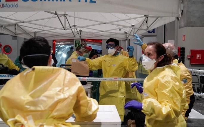 Штрајкуваат вработените во погребалното во Мадрид, бараат повеќе персонал поради пандемијата