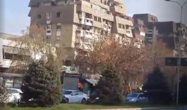 Колони возила тргнаа од Аеродром на протестот организиран од ВМРО-ДПМНЕ