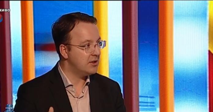 Николоски: Не е возможно нон-пејперот да излезе во Австрија, а за преговорите тука да дознаваме од вести, ќе бараме Национална стратегија