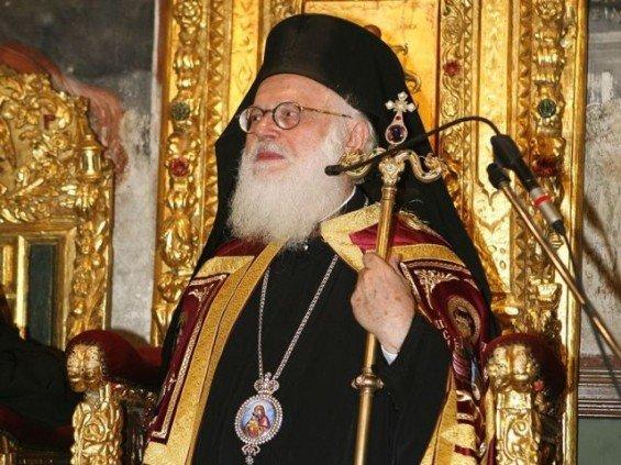 Поглаварот на Албанската православна црква ја доби битката со Ковид-19