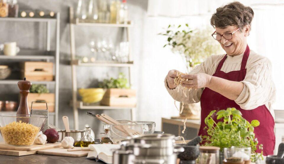 Бабите знаат најдобро, еве зошто овие три работи секогаш ги имаат во кујна