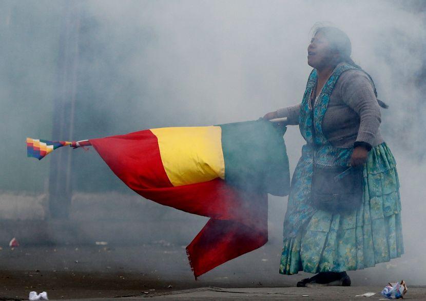 Обид за убиство на новиот претседател на Боливија: Му фрлиле динамит во седиштето на партијата
