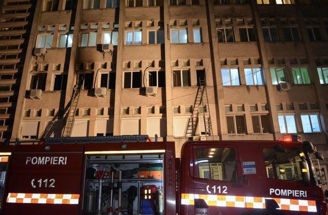 ВИДЕО: Потресни сцени од пожарот во Романија каде изгореа 10 пациенти, приклучени на респиратор