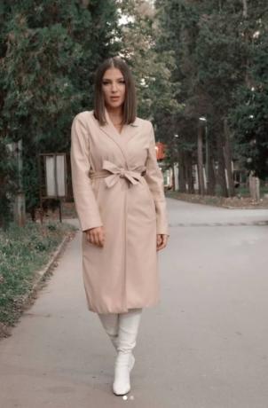 ФОТО: Како на филмовите – сопругот на македонската пејачка ѝ приреди романтично изненадување