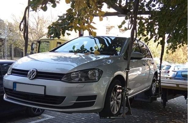 За една недела санкционирани 239 непрописно паркирани возила