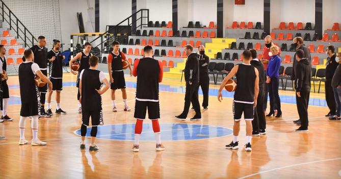 Нема позитивни на Ковид-19 меѓу македонските кошаркари, репрезентацијата целосна