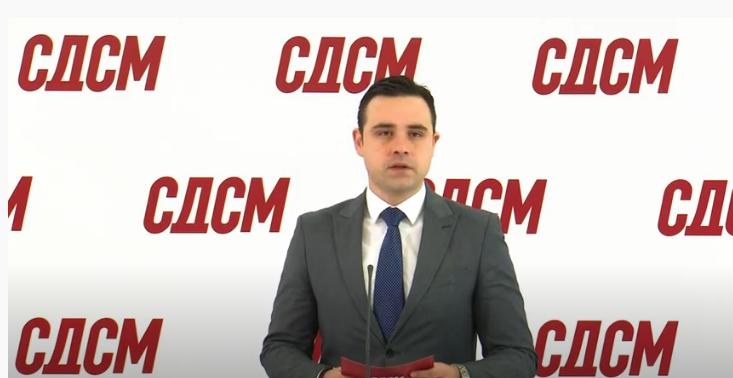 ВМРО-ДПМНЕ: Во екстазата на лажниот патриотизам откако Заев тргуваше со идентитетот, очекуваме Костадинов да одржи прес во комитска облека