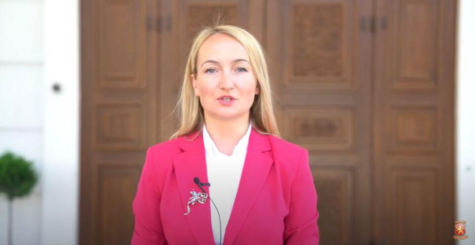 Петрушевска до Апасиев: Лидер не се станува со навреди кон опозицијата кога треба да се руши режимот