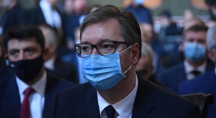 """Вучиќ: """"Џабе ни се нови болници, ако не сме дисциплинирани и одговорни"""""""