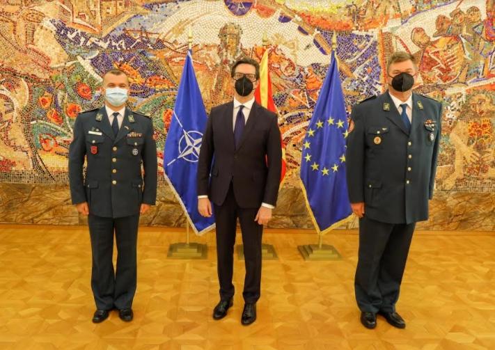 Унапредени полковник Симеон Трајковски и полковник Бесник Емини во чин бригаден генерал