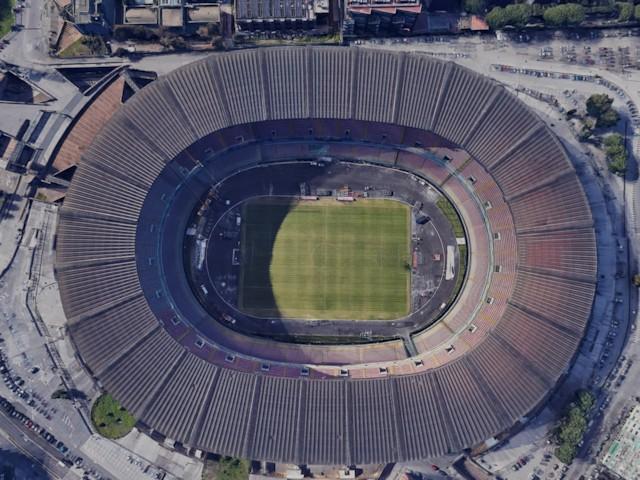 Претседателот на Наполи разгледува опции стадионот да се вика Марадона