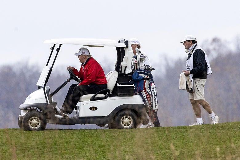 Трамп се појави накратко на Г-20 самитот а потоа отиде да игра голф