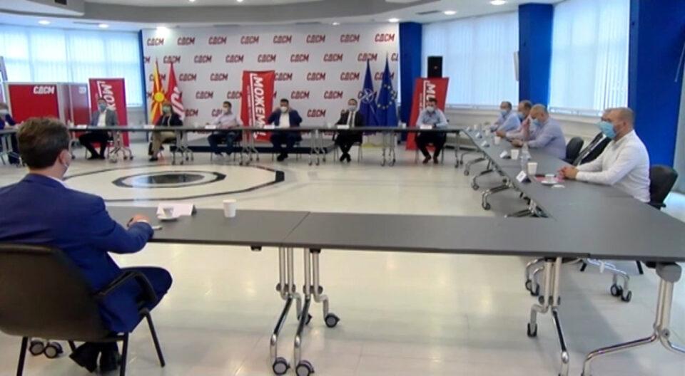 Дел од коалиционите партнери бараат средба со Заев по интервјуто за БГНЕС