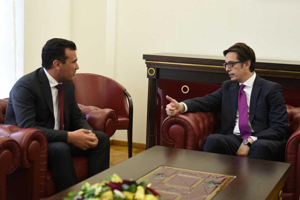 Стоилковски: Со официјалниот молк и неубедливите настапи, Заев и Пендаровски се соработници на Радев во понижувањето на Македонија