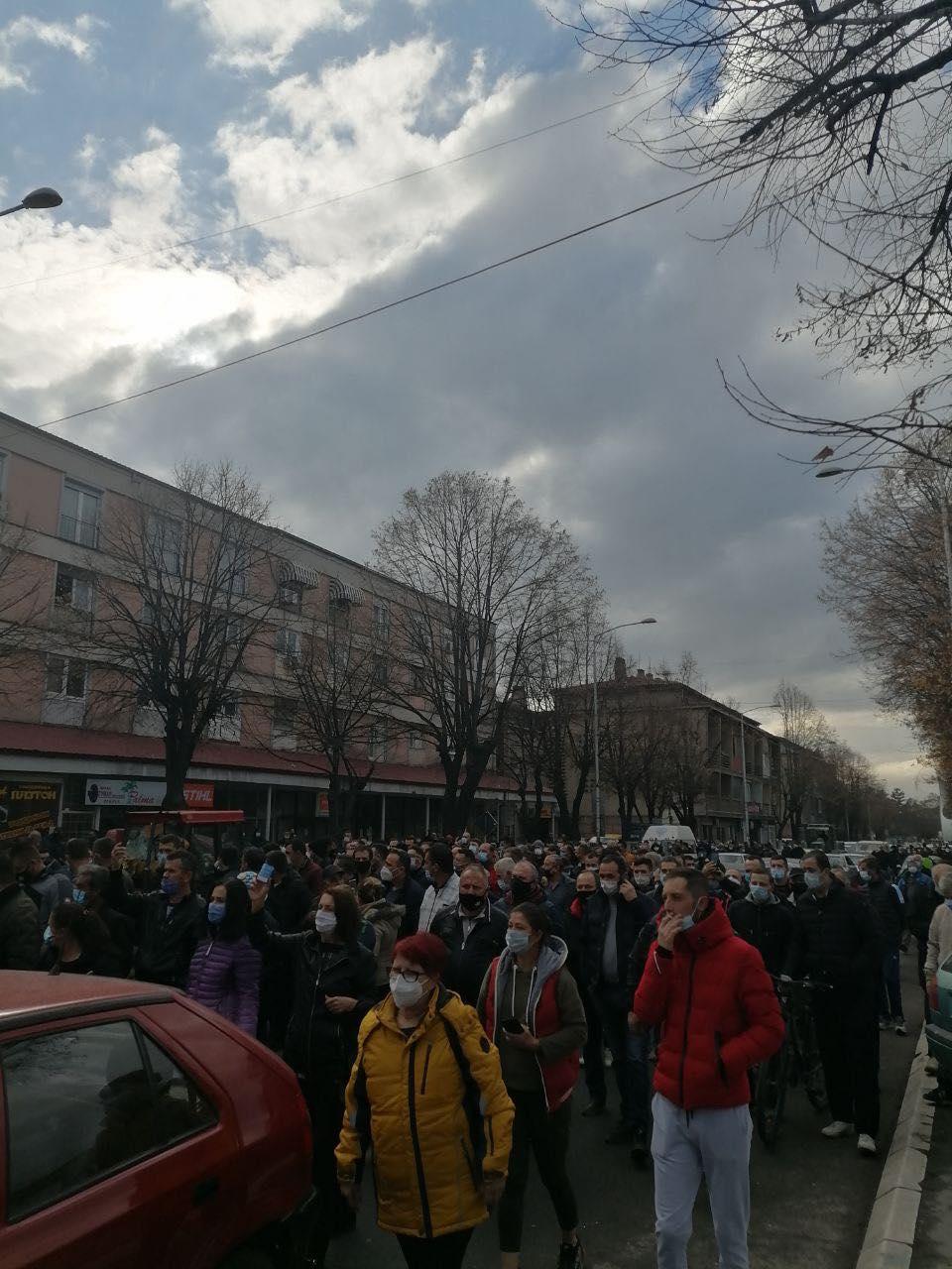 ФОТО: Тутунарите денес на протест – го блокираа Прилеп и централната улица