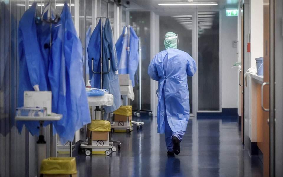 Грција: Трета доза вакцина за лекарите и лицата постари од 60 години