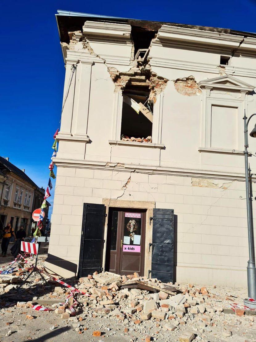 Централна Хрватска рано утрово погодена од два нови силни земјотреси
