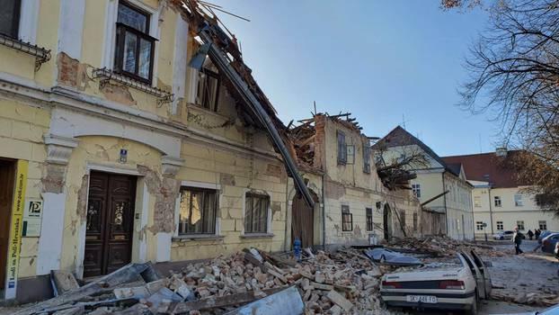 ВО ЖИВО од Петриња – Хрватскиот град кој што беше погоден од силниот земјотрес (ВИДЕО)