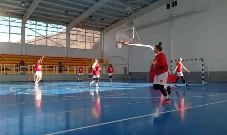 Прволигашки женски натпревар во Крива Паланка, Вардарки подобри од Паланчанки