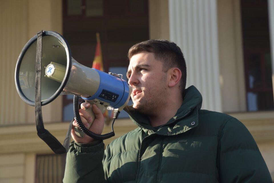 Попов: Во името на младите барам оставка од Зоран Заев, Бујар Османи и Никола Димитров