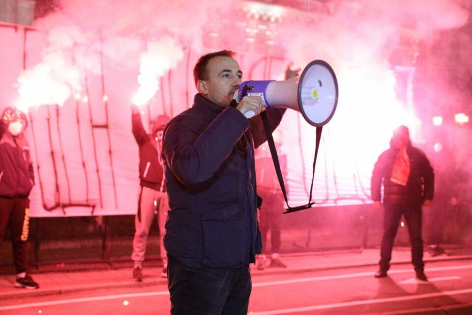 Стојаноски: Доста е, престанете да ја распродавате Македонија
