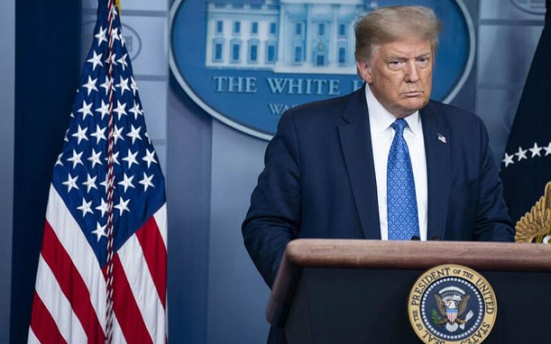 Трамп на советници им рекол дека ќе одбие да ја напушти Белата куќа на 20 јануари