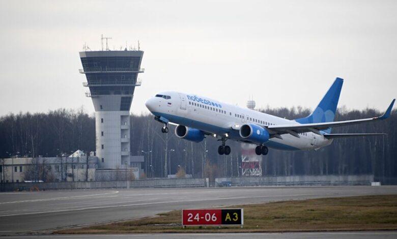 Инцидент на аеродром во Москва, авион со повеќе од 100 патници ја промаши пистата