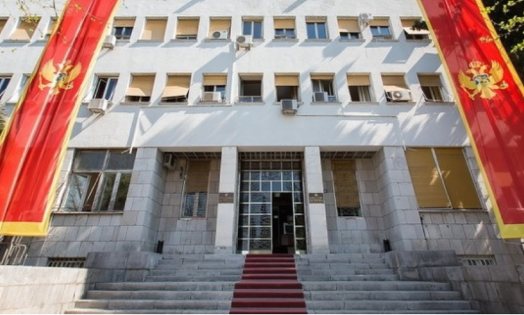 Парламентот на Црна Гора утре избира нова влада