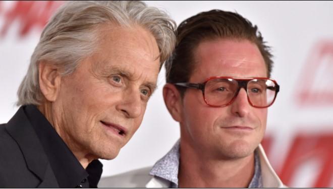 Среќа во семејството на Мајкл Даглас, актерот не може да сокрие колку е горд (ФОТО)