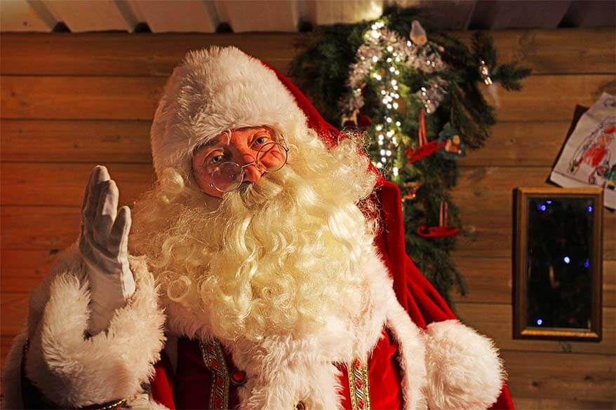 Дедо Мраз зарази 118 штитеници во старски дом во Белгија