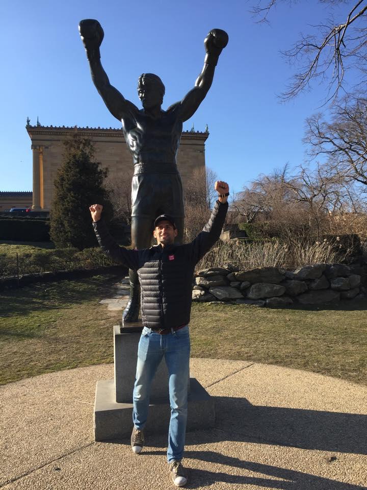 Ѓоковиќ тренира како неговиот идол Роки Балбоа (ФОТО+ВИДЕО)