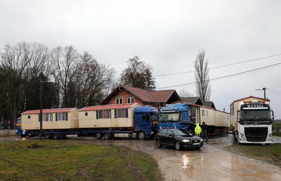 Обезбедени првите подвижни домови за семејствата погодени од земјотресот во Хрватска