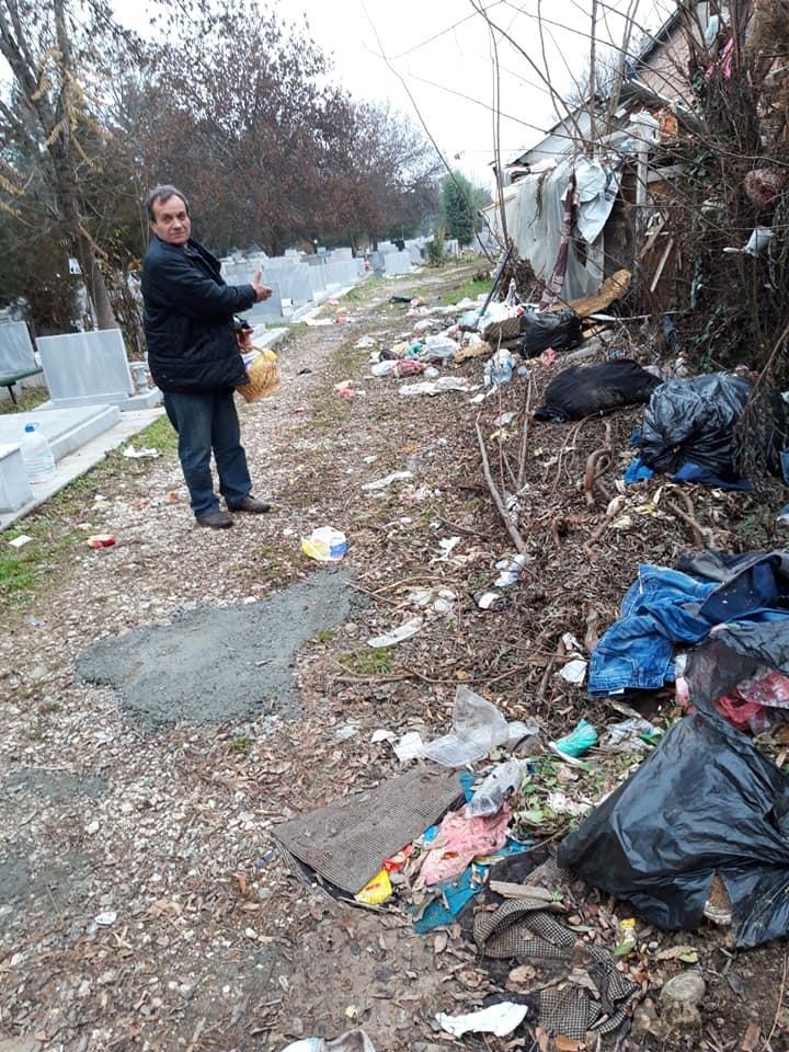 """ФОТО: Гробиштата """"Бутел"""" се преполни со отпад – граѓаните револтирани"""