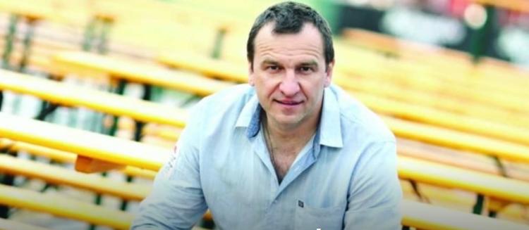 Српскиот актер Ненад Јездиќ итно хоспитализиран