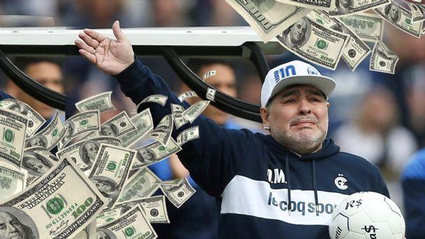 КЛАСИЧНА ЛАТИНО САПУНИЦА: 11 деца на Марадона сакаат да го зграбат богатството на фудбалерот- од сумата ќе ви се помати во умот