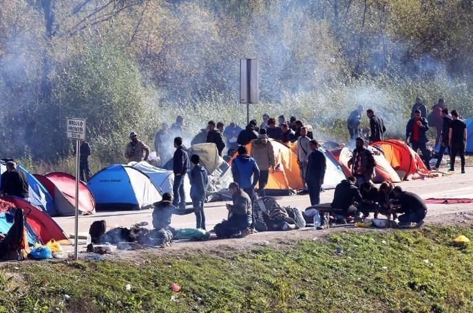 Во Албанија лани откриени 15.000 имигранти, 2.000 побарале азил