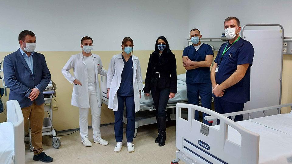 Mozzart со донација на кревети за интензивна нега во ЈЗУ Клиника за пулмологија и алергологија