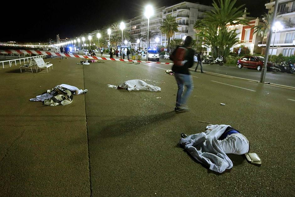 Напаѓачот од Ница официјално обвинет за терористичко убиство