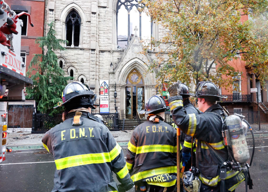 Изгоре историска црква во Њујорк