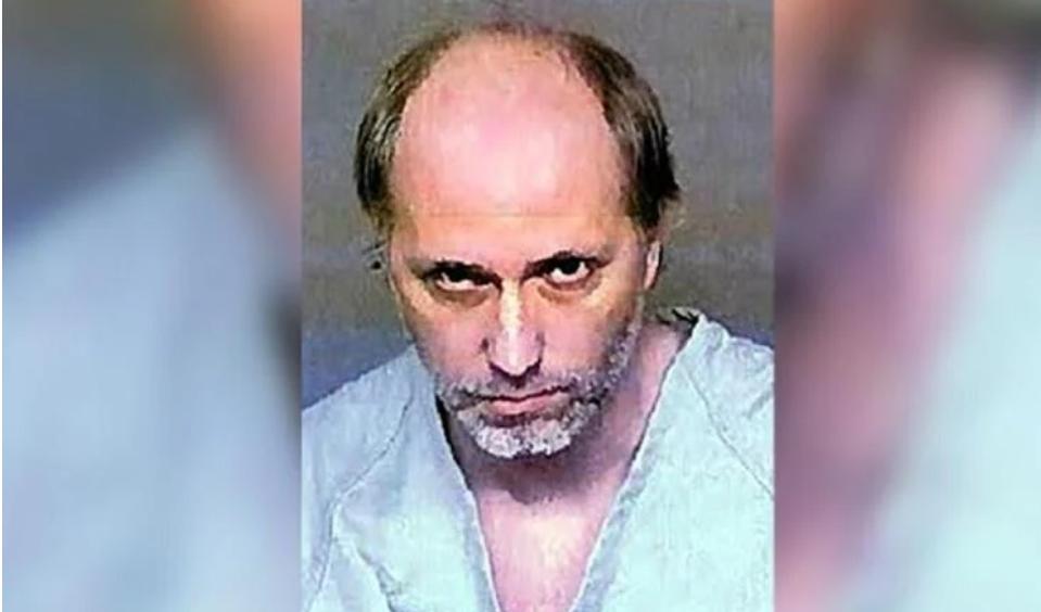 Педофил киднапирал девојче во Калифорнија,ја убедил да се претвора дека е нема