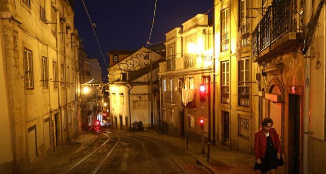 """Рекордна смртност во Португалија, повторно """"затворање"""" на земјата"""