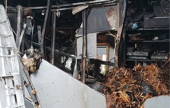 Пожар остави 6-члено семејство без покрив над глава, да им помогнеме на Божиновски (ФОТО)