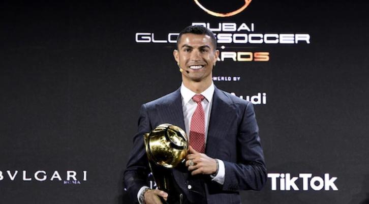 Роналдо најдобар фудбалер на векот (ФОТО)
