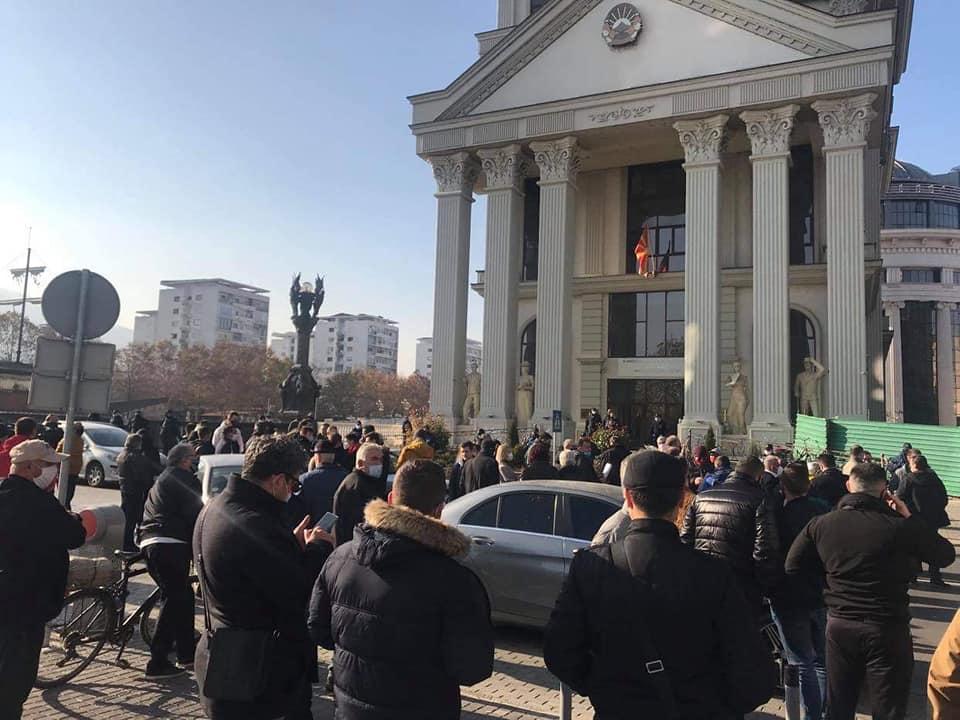 Сајкоски: Нема да дозволиме понижување и распродажба на државните и национални интереси!