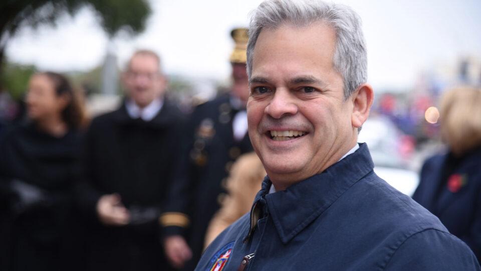 Градоначалник организирал свадба за ќерка му, па замина на одмор: По ова ги повика граѓаните да останат дома