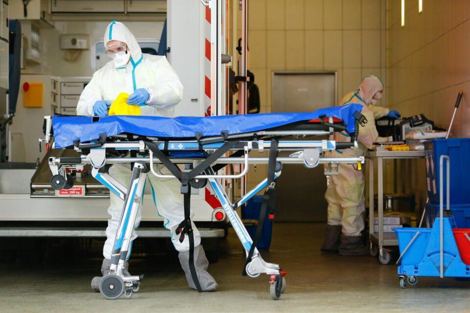 Се зголемува бројот на хоспитализирани од корона вирус во Франција