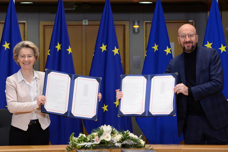 ЕУ ги потпиша Договорите за идните односи со Велика Британија